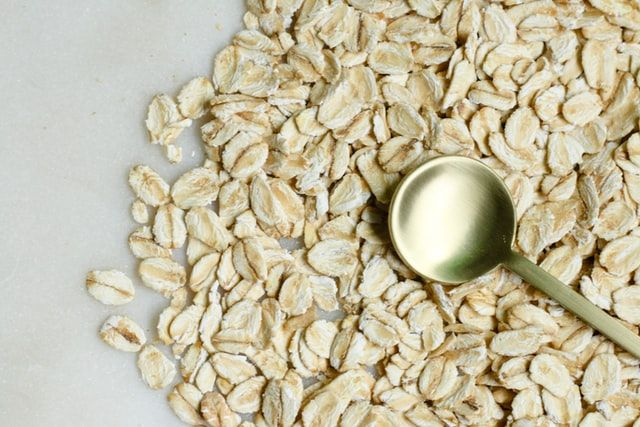 close up picture of rolled oats